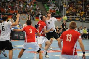 Seleção Alemã em confronto com a Dinamarca na final
